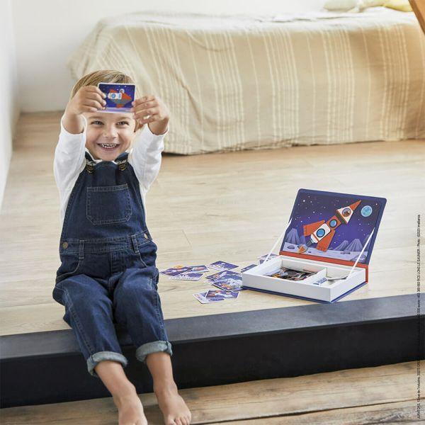 Розвиваюча іграшка Janod Магнитна книга Космос (J02589)